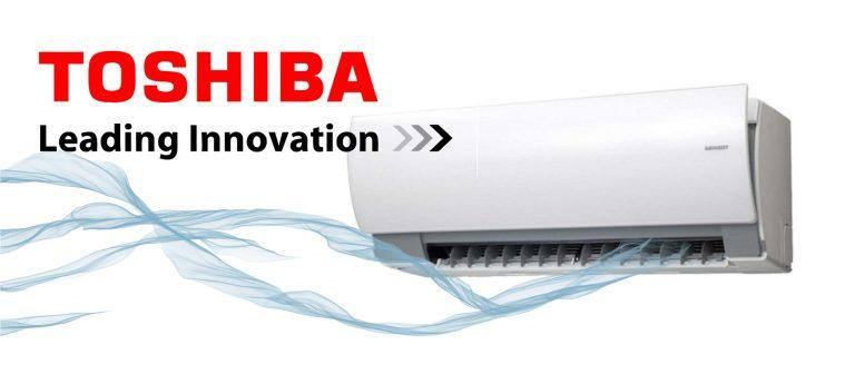 Slika klimatske naprave Toshiba v beli barvi